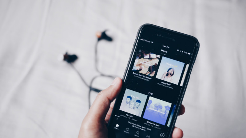 how to download podcast on android